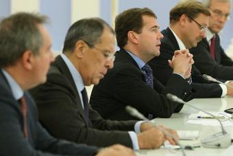 «Пушистое» НАТО и «демократическая» РФ