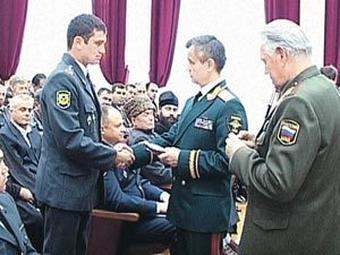 награждение начальника полиции по оперативной работе межрайонного отдела МВД РФ «Адыгейский» Марата Гиша