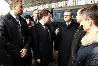 Медведев переходит на ручное управление?