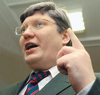 «Единственная причина, по которой он сделал политическую карьеру, состояла в том, что он заявлял, что является горячим сторонником и поклонником Владимира Владимировича Путина...».