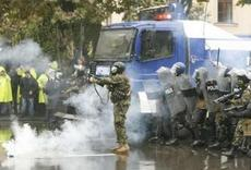 В ожесточенной «полемике» с народом президент Грузии стал использовать и полицейские дубинки - «демократизаторы», и слезоточивый газ, и резиновые (пока) пули.